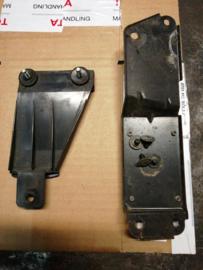 Montagesteun achterbumper links Nissan Bluebird T12/T72 85227-D4400