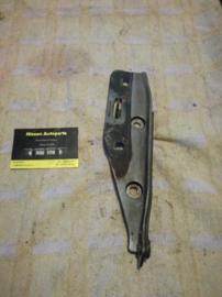 Motorkapscharnier rechts Nissan Bluebird 65400-38E00 T12/T72/U11