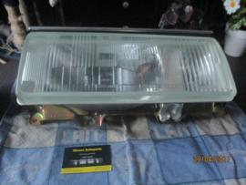 Koplampunit links Nissan Bluebird 910 26060-W2210