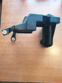 Resonator Nissan Primera P11 16585-2F205