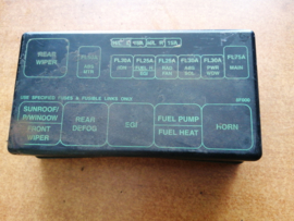 Afdekkap relais Nissan Terrano2 R20 24382-8F000