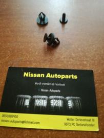 Bevestigingsclip binnenplaat achterklep Nissan Micra K11 80999-41B00