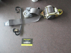 Veiligheidsgordelspanner rechtsvoor Nissan Micra K11 86884-5F800