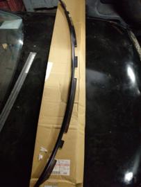 Onderste sierstrip voorruit Nissan Patrol Y61 72771-VB000