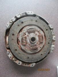 Koppelingsset 240mm YD22DDT/YD22DDTI Nissan N16/V10 (exclusief druklager)