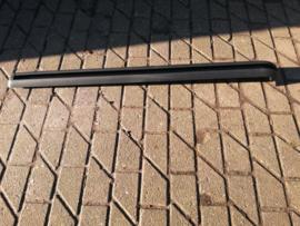 Schuifdeurgeleiding rechts Nissan Interstar X70 76390-00QAA
