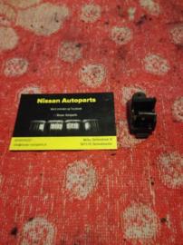 Hoedenplankklem Nissan 79914-D5500 K11/T12/T72