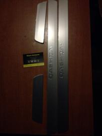 Chromen instaplijsten Nissan Qashqai J11 KE967-4E100