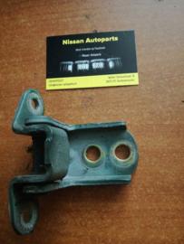Deurscharnier voorportier linksonder/rechtsboven Nissan Almera N15 / Nissan Terrano R50  80400-1M200
