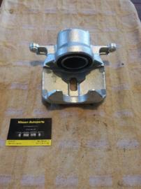Remklauw linksvoor Nissan 41011-JD00A J10/JJ10/T31