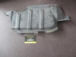 Afdekkap onderzijde rechts motorblok Nissan Micra K11 75898-5F000
