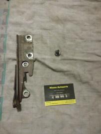 Motorkapscharnier links Nissan Terrano2 R20 65401-0F000
