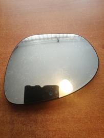 Spiegelglas links Nissan Juke F15 96366-1KA0A gebruikt. (Mirror glass left Nissan Juke F15 used)
