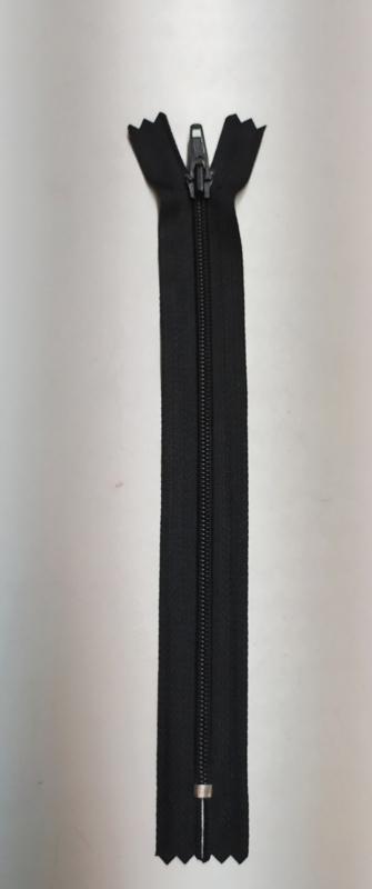 YKK 18cm broek rits 4,5nummer zwart plastic