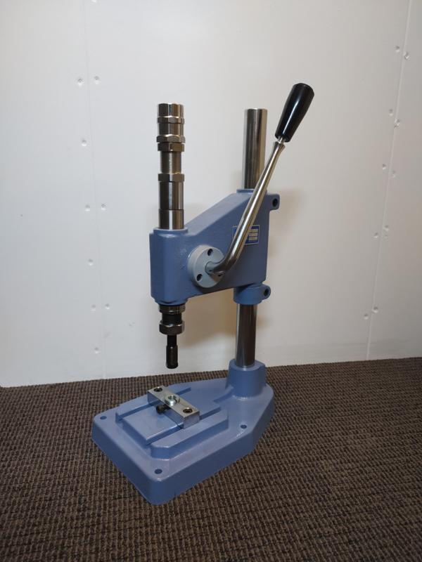 Spindel machine handpers voor allerlei (druk/klik) knopen!  Extra sterk!