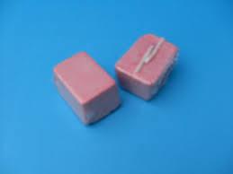 Pikblok roze klein (45x35x25 mm).