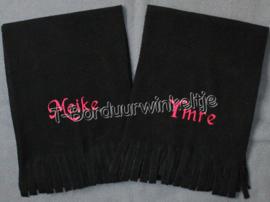 Sjaal geborduurd met naam