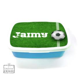 Brooddoos of broodtrommel met naam | Voetbal gras