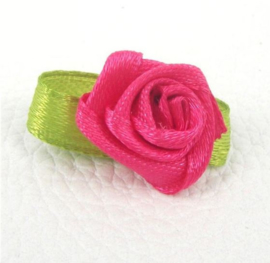 Satijnen roosjes klein 1cm