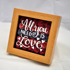 3D kader All you need is love met roosjes