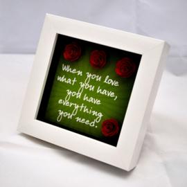 3D kader Love en rode rozen