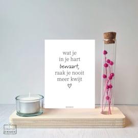 Memory Shelf met Droogbloemen een kaarsje en een kaartje | Wat je in je hart bewaart, raak je nooit meer kwijt
