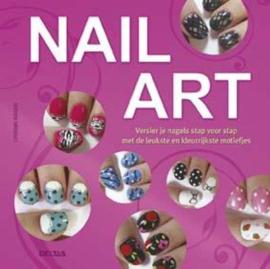 Nail art versier je nagels zelf met de leukste en kleurrijkste motiefjes , Catherine Rodgers