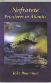 Nefratete priesteres in Atlantis , Joke Bouwsma
