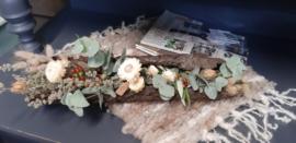 Schors met droogbloemen