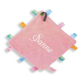Labeldoekje vierkant roze