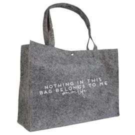 Momlife - nothing in this bag belongs to me   vilten tas