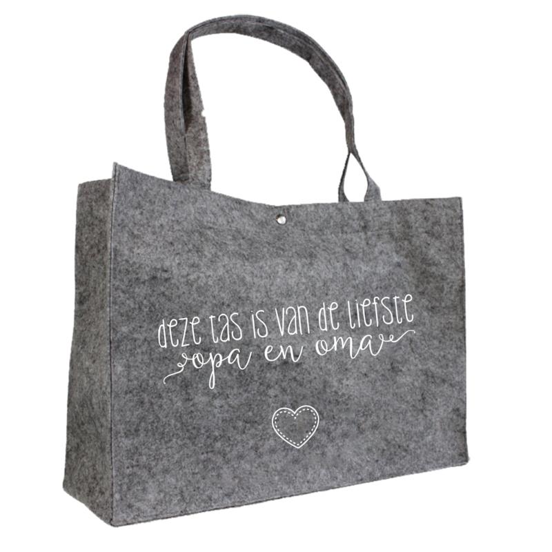 Deze tas is van de liefste opa en oma   vilten tas