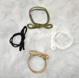 Mix 4 haarbandjes zwart, wit en groentint