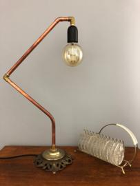 Lamp met brocante voet