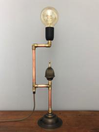 Geupcycled stoer en brocante lamp