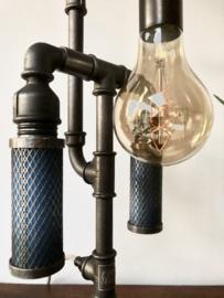 Lamp met zuigers