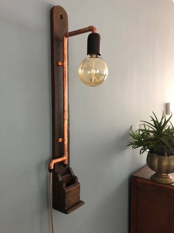 Wandplank Met Lamp.Lamp Op Oude Plank Wandlampen Pittiglicht Design Lampen