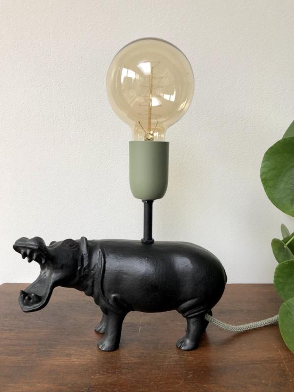 Stevig zwart nijlpaard