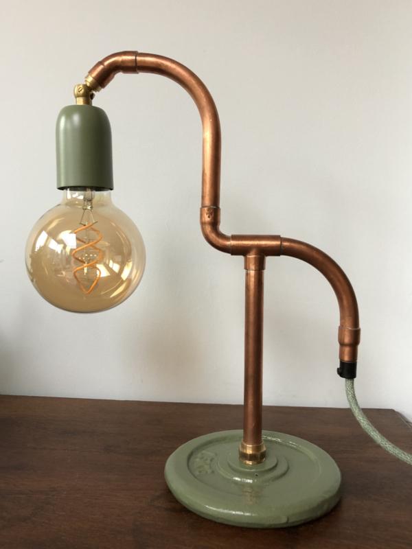 Klein tafellampje met beweegbare fitting