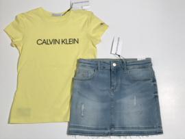 Calvin Klein t-shirt voor meisje van 8 jaar met maat 128