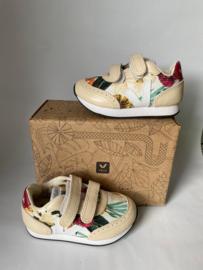 Veja schoenen voor meisje met schoenmaat 25