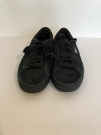 Puma schoenen voor meisje  met schoenmaat 36