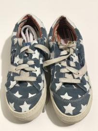 Vingino veterschoenen voor meisje met schoenmaat 34