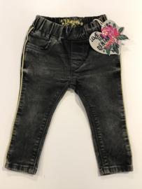 Vingino spijkerbroekje voor meisje van 12 maanden met maat 80