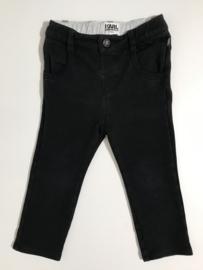Karl Lagerfeld broekje voor jongen van 18 maanden met maat 86