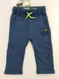 Vingino broekje voor jongen van 12 maanden met maat 80