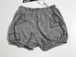 Nununu korte broek voor jongen of meisje van 4 / 5 jaar met maat 104 / 110