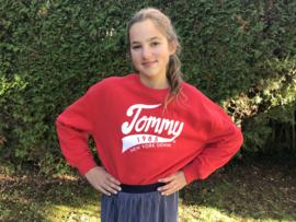Tommy Hilfiger trui voor meisje van 4 jaar met maat 104
