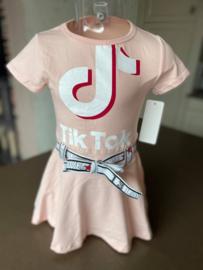 Roze Tik Tok jurk