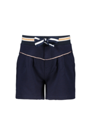 Nono short with pleats and copper piping, rib waistband